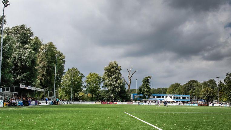 Het sportpark van ASV De Dijk. Beeld Pro Shots / Remko Kool