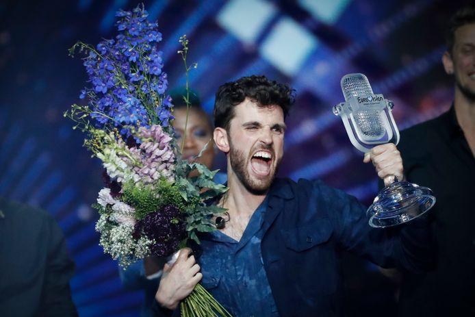 Songfestivalwinnaar Duncan Laurence gaat uit zijn dak. Zijn 'postcardfilmpje' werd vorig jaar gedraaid op Mount Arbel in Israël.