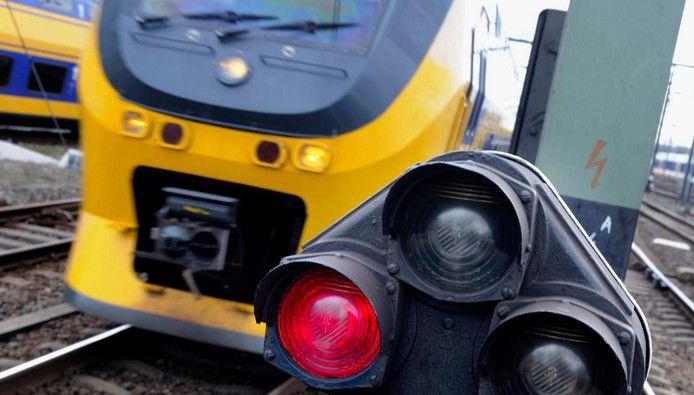 illustratie trein spoor ns spoorwegen stockadr