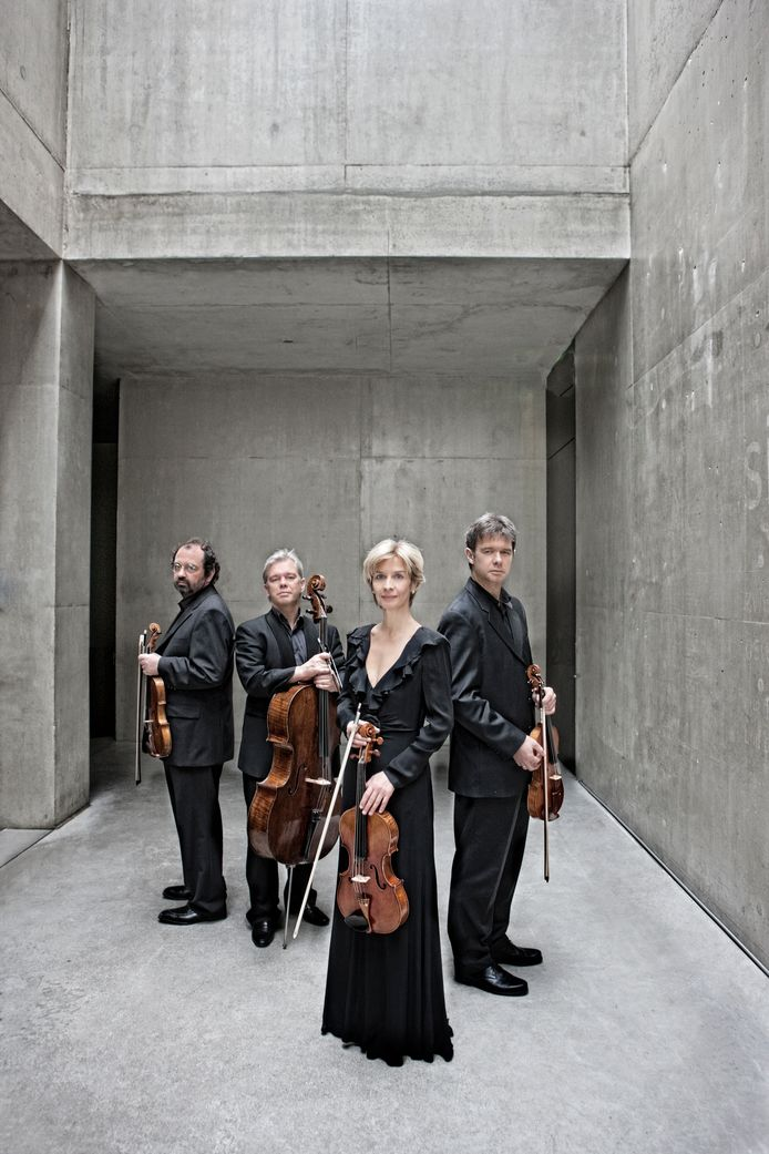 Het Hagen Quartet met Rainer Schmidt, Clemens Hagen, Veronika Hagen, Lukas Hagen (f.l.t.r)