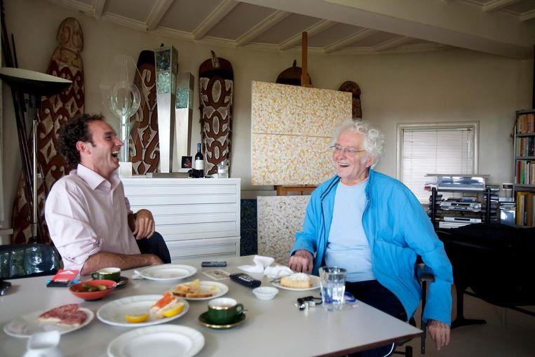 Onno Blom (links) en Jan Wolkers op Texel, juli 2007. Beeld Werry Crone