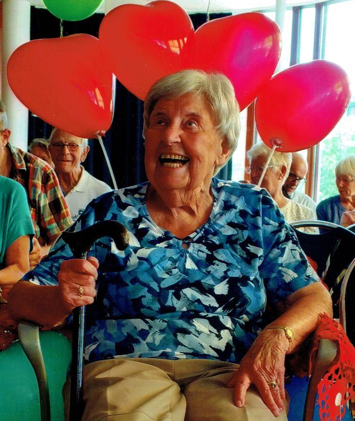 Rita de Grunt tijdens haar afscheid van seniorenkoor Animato, waar ze 32 jaar lid en drijvende kracht van was.