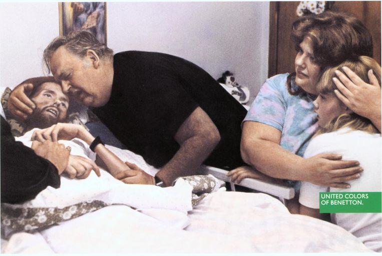 Aids-campagne van Benetton. Beeld Hollandse Hoogte