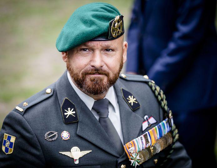 Marco Kroon is 'een ongelooflijk dappere militair', aldus oud-minister van Middelkoop.