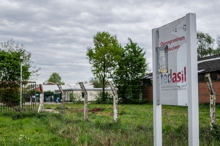 Het asielzoekerscentrum in Broechem, ten oosten van Antwerpen.   Beeld BELGA