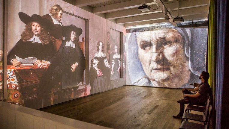De videoattractie vertelt in 8 minuten het verhaal van de stad vanaf de 13de eeuw tot nu Beeld Carly Wollaert