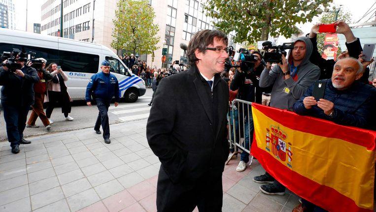 Catalaanse leider Puigdemont geeft zich aan. Beeld afp