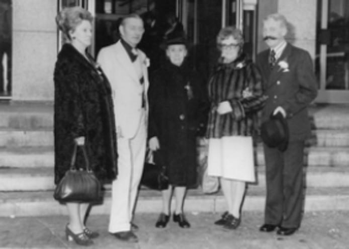 De schoonouders van Leo (links), zijn oma en zijn ouders