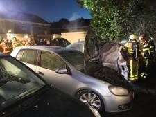Buurt kijkt niet op van autobranden in Vaassen: 'Hier vliegt om de haverklap iets in de brand'