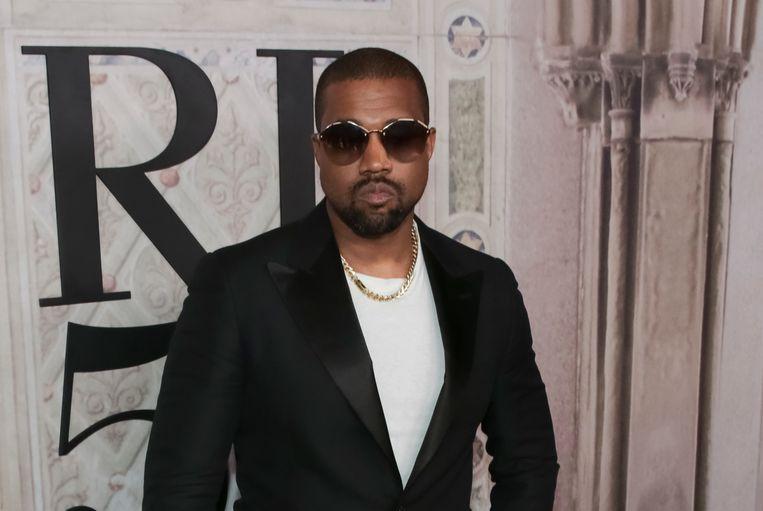 Kanye West vindt de podia van Coachella te klein.