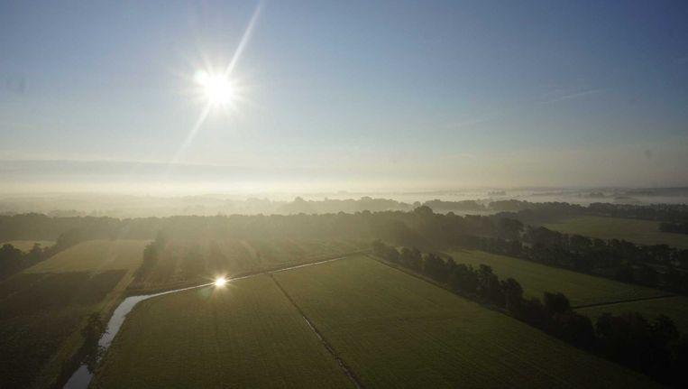 Mist boven Friesland. Beeld null
