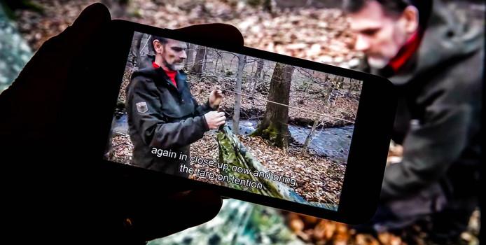 Een survivalfilm op YouTube van de 55-jarige Jos Brech uit Simpelveld, de verdachte van de dood van Nicky Verstappen.