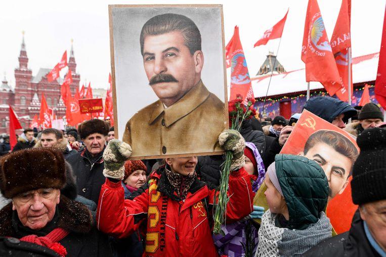 Russen in Moskou herdachten op 18 december de 139ste geboortedag van Josef Stalin (1878-1953), de Sovjetleider die verantwoordelijk is voor miljoenen doden.