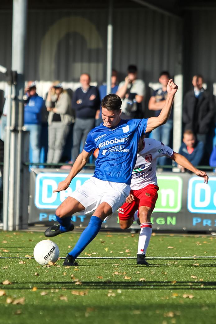Mart de Jong van GVVV scoort de 2-1 tegen Noordwijk afgelopen zaterdag.