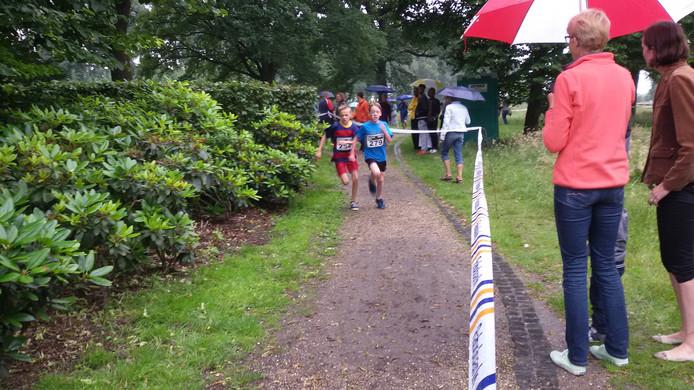 De jeugd liep 1,5 kilometer.