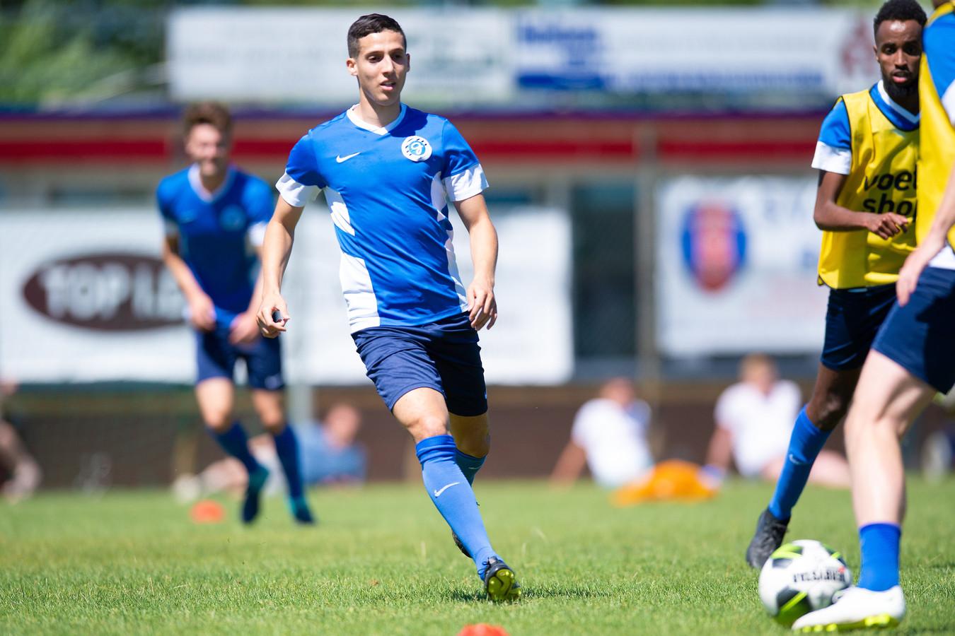 De Graafschap-voetballer Mohamed Hamdaoui scoorde twee keer tegen Jong NEC.