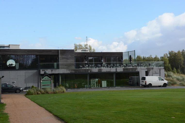 het fraaie Clubhouse van de Golfclub Beveren.
