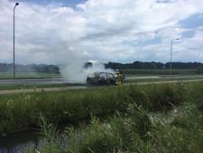 Auto gaat in vlammen op bij Nijkerk