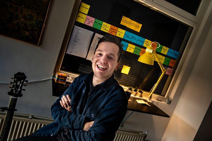 Jules Keeris, thuis in Eindhoven: 'Ik heb eigenlijk maar één groot klankbord, en dat is mijn oudere broer Sjef, meteen ook mijn technicus, en eigenlijk ook een halve regisseur.'
