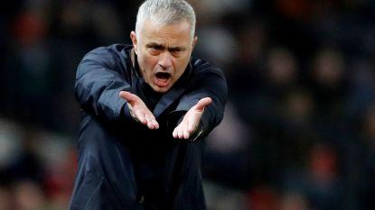 """Ex-spelers Ferdinand en Scholes richten zich tot José Mourinho na nieuwe uithaal van ManU-trainer: """"Het kan me niet schelen wat je in het verleden deed"""""""
