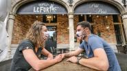 """Eethuis Petit Paris koppelt registratieplicht aan datingwedstrijd: """"Lachen mag nog"""""""