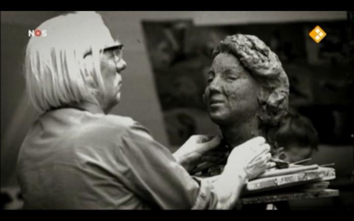 Still uit een NOS-documentaire (2013) over kunstenaar Mari Andriessen (1897-1979).