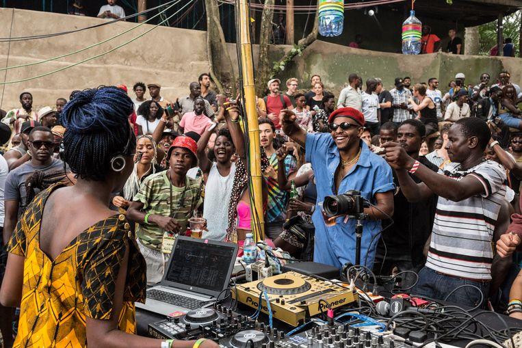 Het hoogtepunt van de Oegandese dancescene in beeld