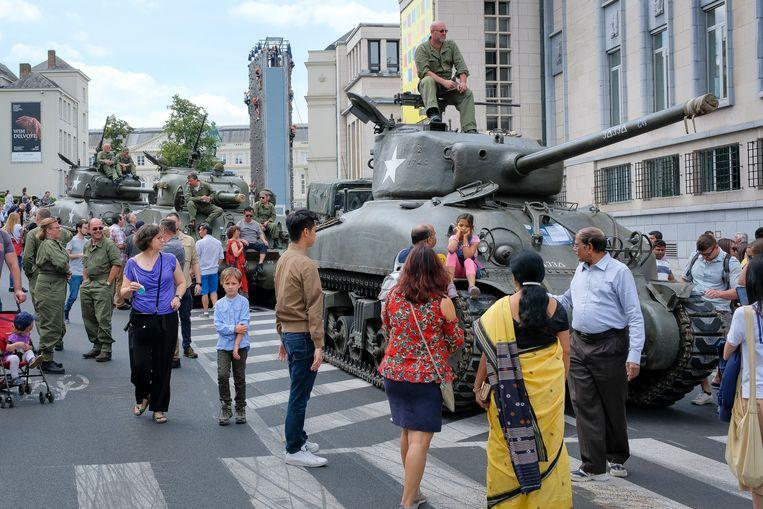 Er was heel wat nieuw en antiek militair materieel aanwezig.