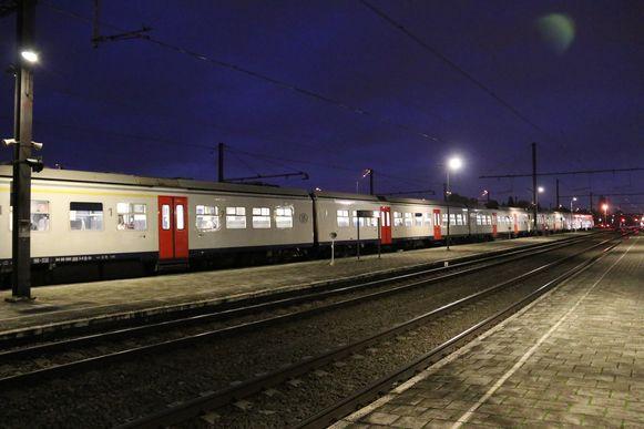 De reizigers mochten een tijdlang niet uit de trein.