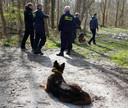 In maart 2019 wordt in het bos bij Nummer Eén naar sporen gezocht.