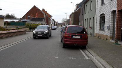 Statiestraat wacht op duidelijke parkeervakken