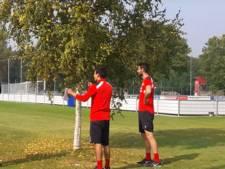 PSV'ers genieten na van historische uitslag via voetgolf