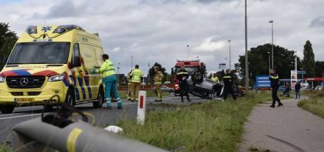 Vrouw slaat met auto over de kop tussen Elburg en Doornspijk