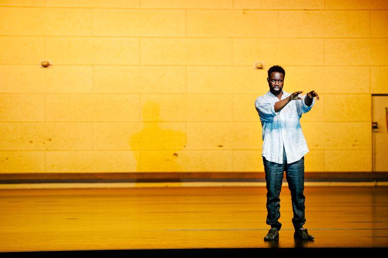 Emmanuel Ohene Boafo in 'Sea Wall' van Het Nationale Theater. Beeld Koen Veldman