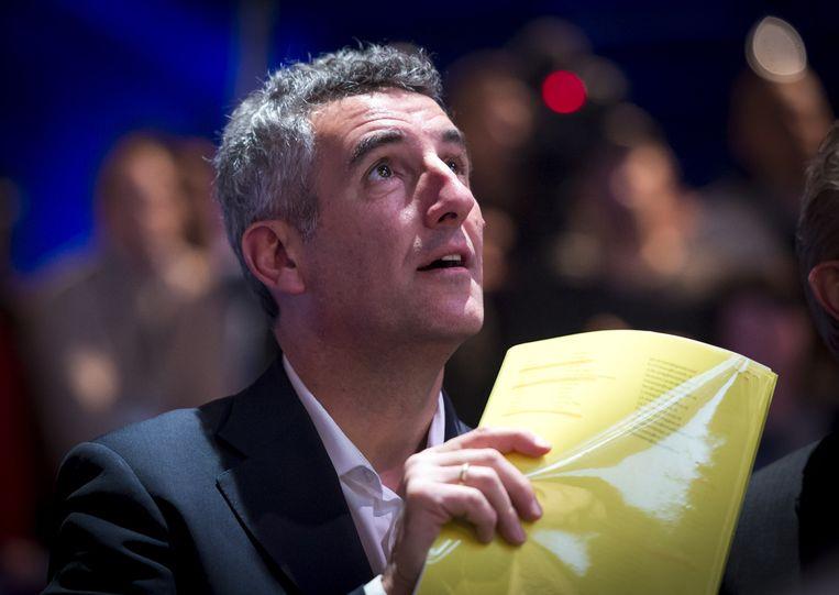 Franco Ongaro, directeur van ruimtevaartlaboratorium Estec, volgt vanuit Space Expo de landing van de ruimte sonde op de komeet. Beeld anp