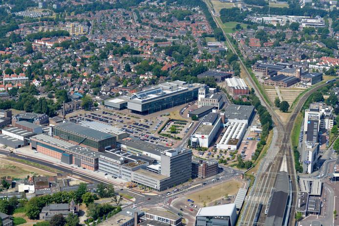 Hart van Zuid, met op de voorgrond poptempel Metropool, VDL en daar achter het ROC van Twente