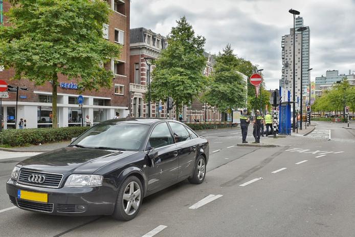 De auto die betrokken was bij het ongeluk op de Spoorlaan in Tilburg.