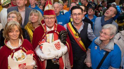 Carnaval Brakel van start met ontvangst van Prins Eric en Prinses Marianne in het gemeentehuis