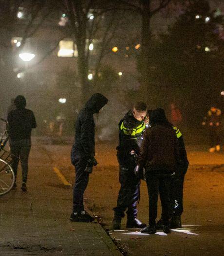 Jongeren bekogelen brandweer en politie met vuurwerk in Ede