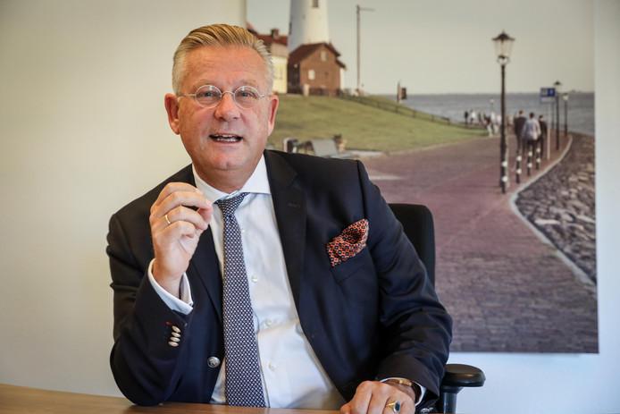 Burgemeester Pieter van Maaren.