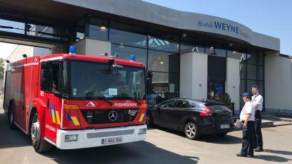 Klein brandje in toonzaal Meubels Weyne, twee aanwezige klanten kunnen ontkomen