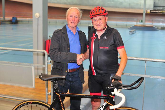 Jef Geerts samen met de vorige recordhouder.