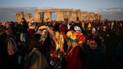 Zo'n 10.000 'druïden' vieren langste dag in Stonehenge