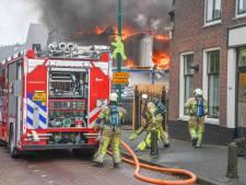 Sloopwerkzaamheden oorzaak van grote brand in Woerden, medewerkers op tijd buiten