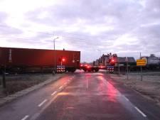 Treinverkeer tussen Rijssen en Wierden hervat, kapotte goederentrein afgesleept