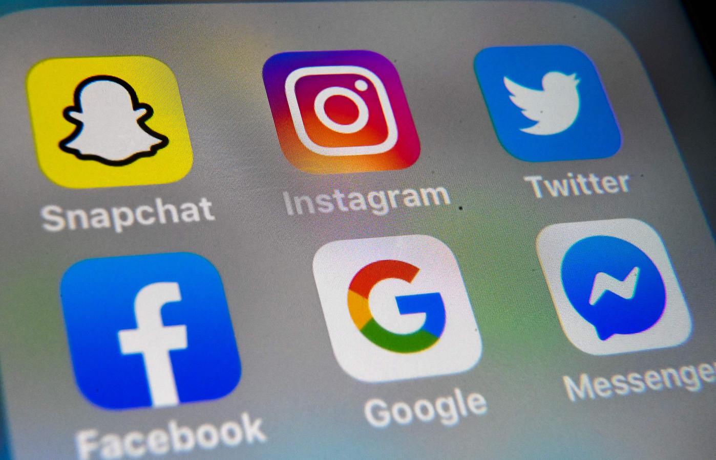 """""""State Snaps"""" diffusait sur les réseaux sociaux classiques (Twitter, Snapchat et Instagram) des vidéos et des photos de jeunes adultes se livrant à un comportement grossier, à l'ivresse et à la nudité."""