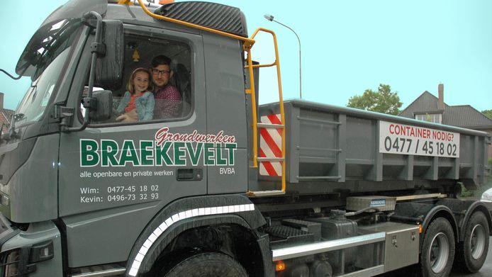 Kevin Braekevelt was een trouwe deelnemer aan de reclamestoet. Hier op foto is hij te zien met zijn dochter Zita.