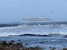 Noors cruiseschip in nood is weer in beweging