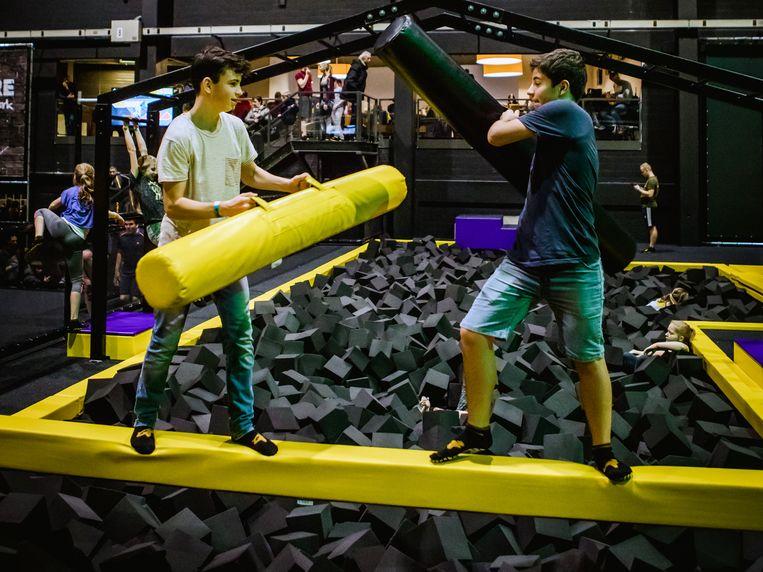 In het trampolinepark kan je al je energie kwijt, zonder al te veel blauwe plekken op te lopen.
