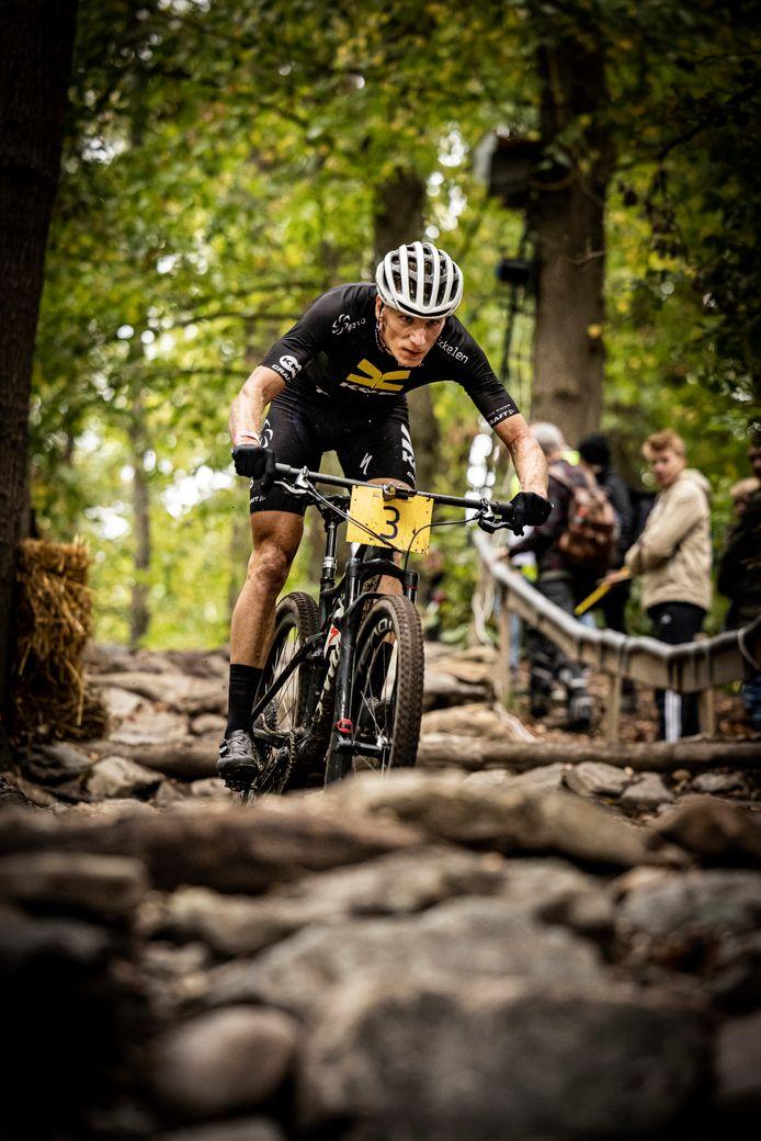 Jeroen van Eck op het NK mountainbiken.